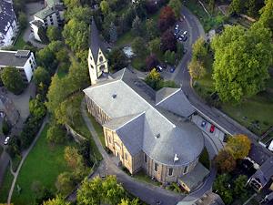 Die Pfarrkirche von oben